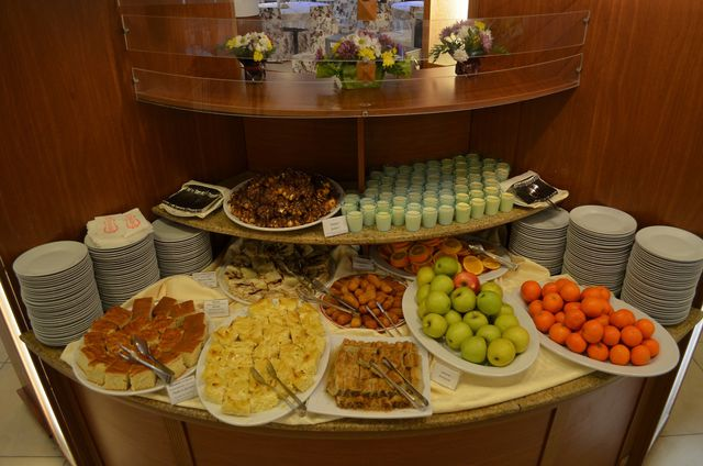 Orpheus Spa Hotel - Food and dining